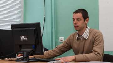 Учител от ново поколение: Емилиян Кадийски, учител по информатика в гр. Враца