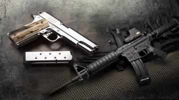 За или против носенето на оръжие в САЩ