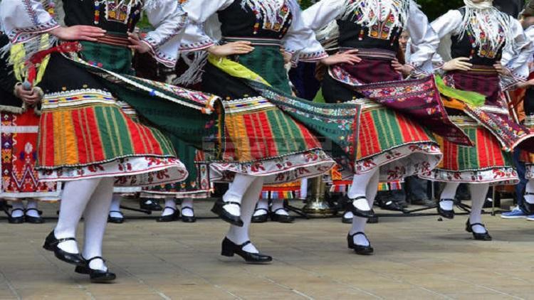 Концерти, кулинарни демонстрации и дегустации, спортни проява, улица на занаятите