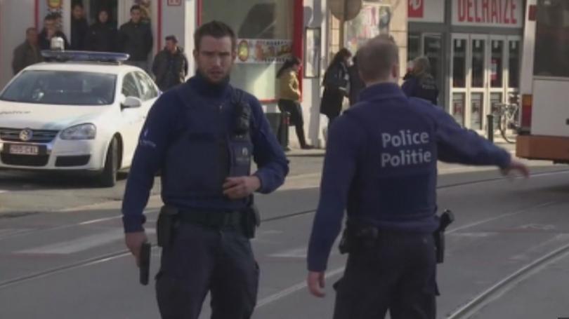 снимка 1 Полицейска акция в Брюксел, търсят заподозрени за атентатите в Париж