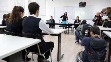 МОН ще разисква агресията в училищата