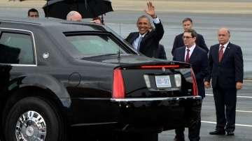 Поздрав преди да влезе в автомобила, на летището в Хавана