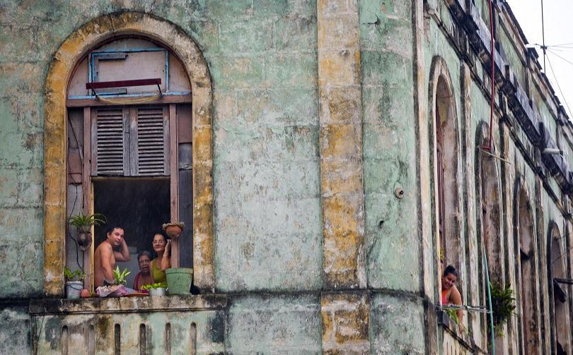снимка 5 Барак Обама в Хавана - (извън)протоколно (ФОТОГАЛЕРИЯ)