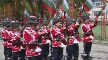 Гвардейските ученически отряди възпитават младите на любов към отечеството