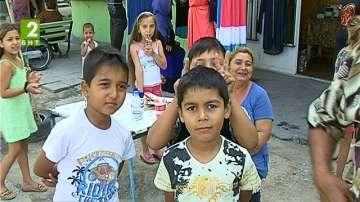 """Интегрират децата от """"Столипиново"""" с кино и театър"""