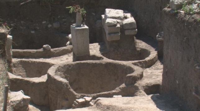 снимка 1 Оловен печат на византийски военачалник откриха археолози в Плиска