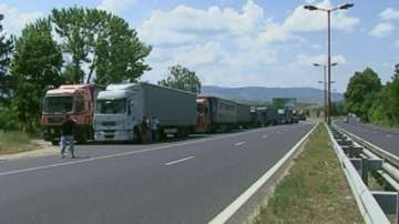 Ограничават движението на ТИР-ове по магистралите за Великден и Гергьовден