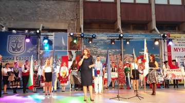 """Илияна Йотова е патрон на Международния младежки фестивал на изкуствата """"Музите"""""""