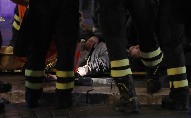 снимка 1 20 души, сред които футболни фенове, бяха ранени при авария в римското метро