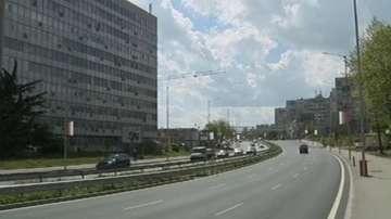Във Варна пешеходци пресичат нов булевард заради недовършени надлези