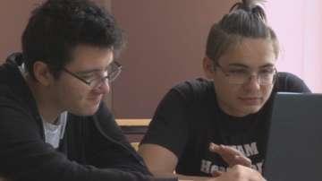 Младежи спечелиха състезание с платформа за намиране на стаж