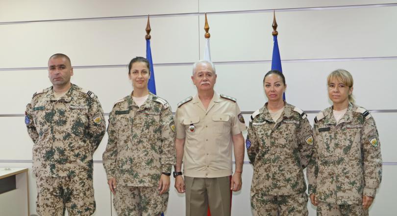 снимка 6 Военните ни медици получиха награди след успешна мисия в Мали (СНИМКИ)