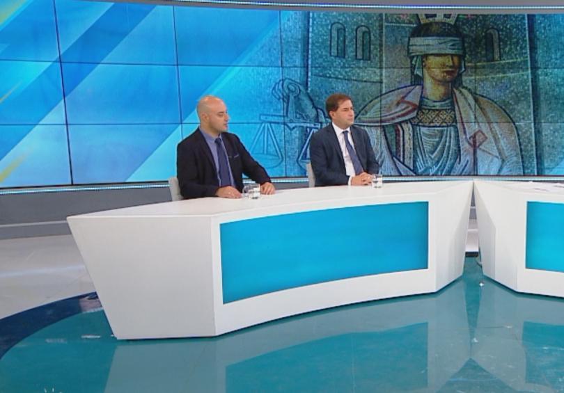 Борислав Цеков, юрист, доктор по конституционно право, и Атанас Славов,