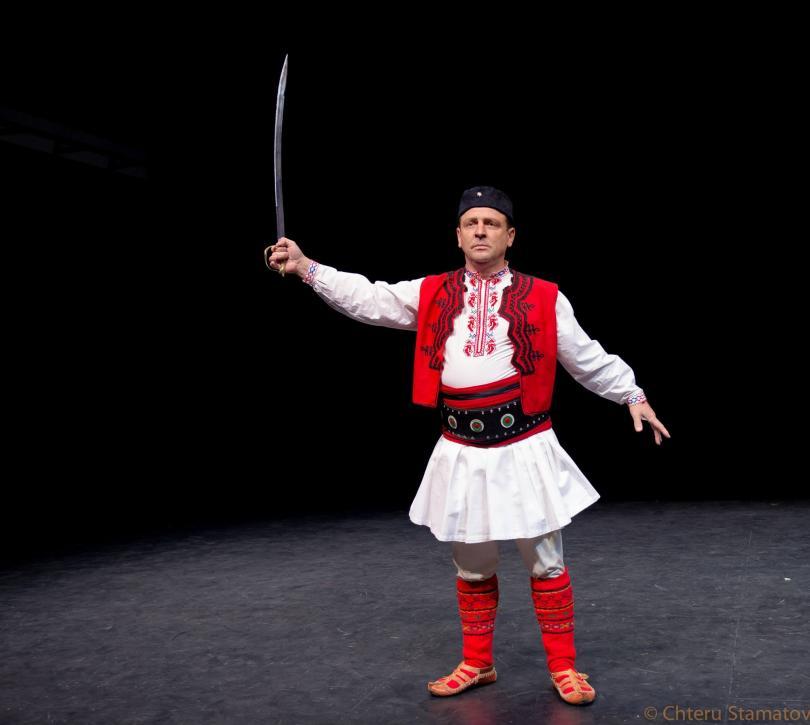 снимка 1 Отвъд границите: Димитър Минков: Танцът е най-късият път към хората