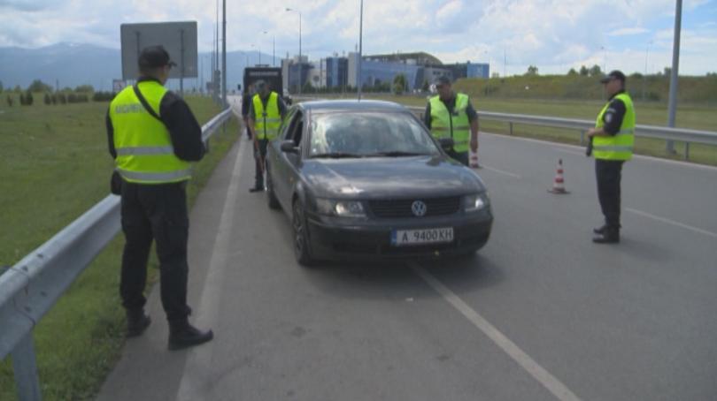 снимка 11 Строги мерки за сигурност на летищата в София, Варна и Бургас