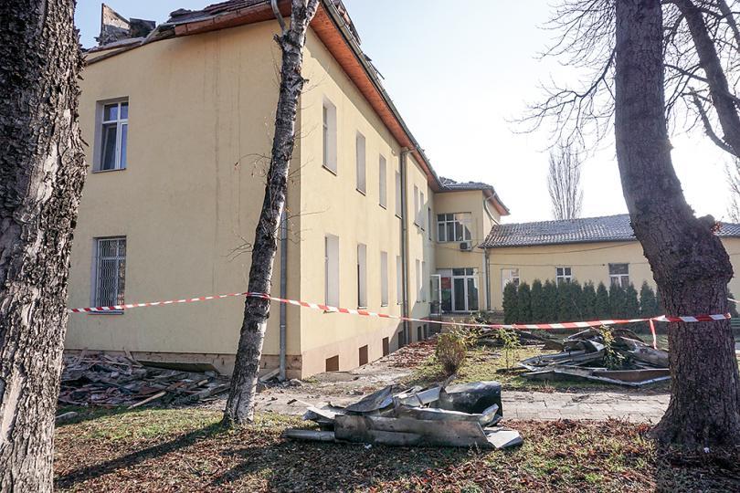 снимка 1 Започва ремонтът на сградите на психодиспансера и Белодробната болница в София