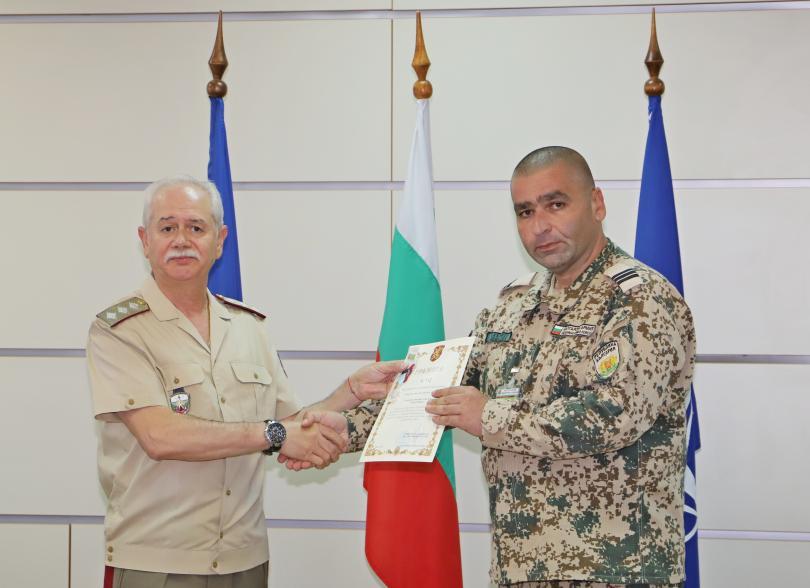 снимка 5 Военните ни медици получиха награди след успешна мисия в Мали (СНИМКИ)