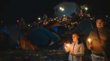 Вярващите посрещат нощта на Кръстова гора