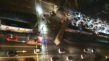ТИР блъсна трамвай в София