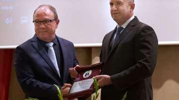 БАН получи наградата Марко Семов