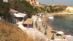 Разрушават незаконни заведения в курорта Лозенец