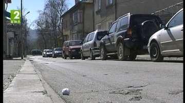 Без коли по тротоарите в Симитли