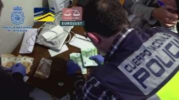 Разбита е европейска мрежа за пране на пари чрез порносайтове