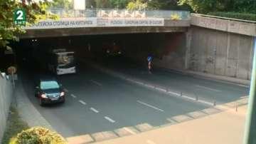 Подменят осветлението в подлеза на улица Гладстон в Пловдив