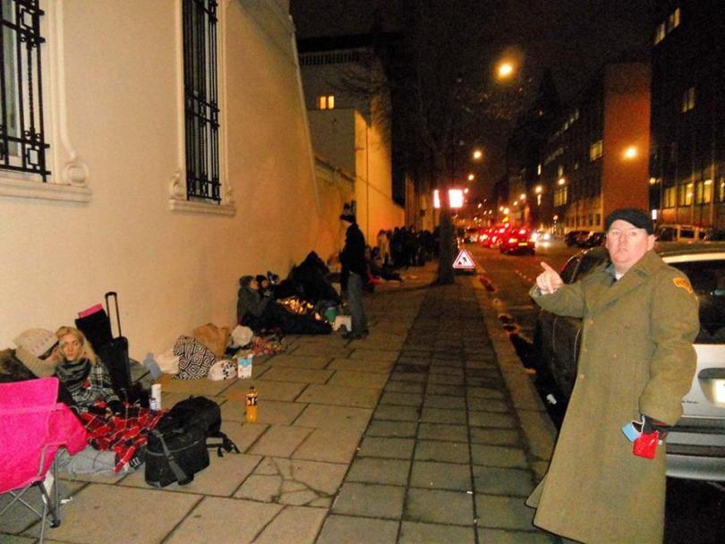 снимка 2 Лондонските улици стават хотел за кинофеновете