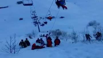 Над 130 скиори бяха спасени от лифт, заседнал заради буря в Италия (ВИДЕО)