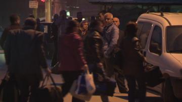 Ексклузивно: БНТ засне автобуси със стотици изселници от Бурса за България