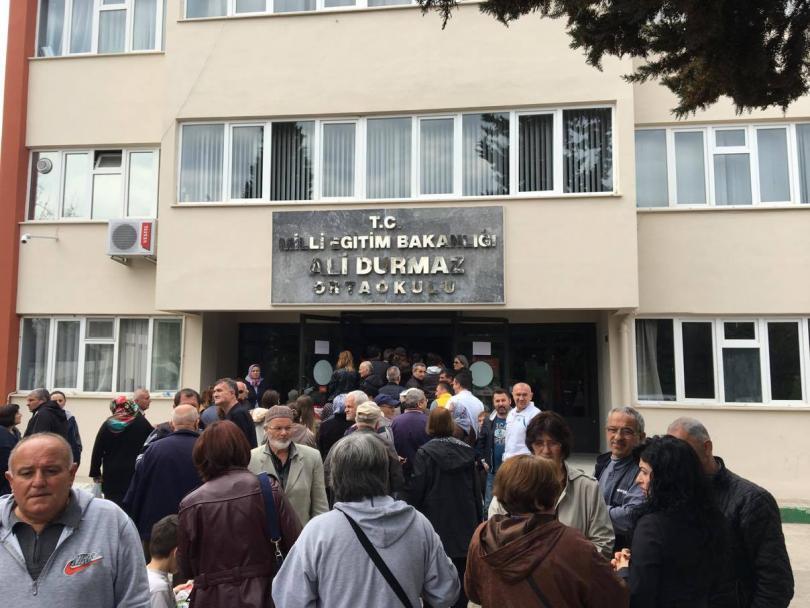 снимка 2 Избирателният процес в една от секциите в Бурса е временно прекъснат