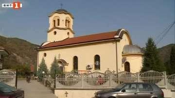 Обновиха костницата в храм-паметника Свети Иван Рилски в Кресна