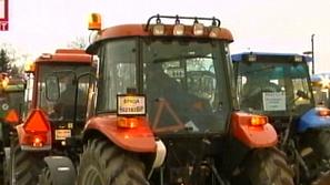 Тракторите на зърнопроизводителите се изтеглиха