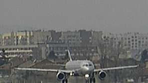 Пътнически самолет избухна в пламъци при излитане