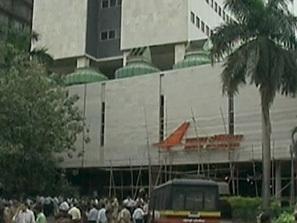 атентатите мумбай два хотела отварят врати