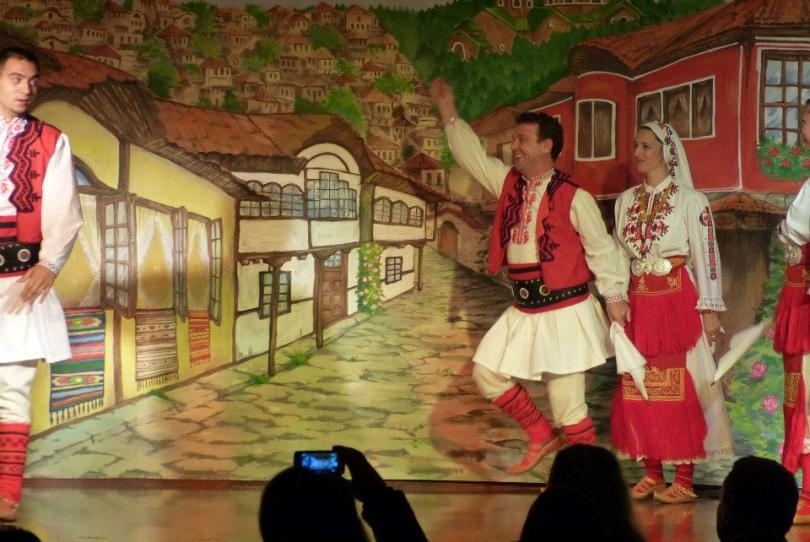 снимка 17 Отвъд границите: Димитър Минков: Танцът е най-късият път към хората