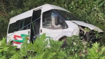 Трима от пострадалите в катастрофата край Ловеч остават в болница
