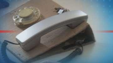 Ученици създадоха телефон с шайба и СИМ карта