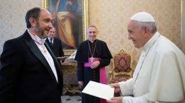 Новият ни посланик във Ватикана връчи акредитивните си писма на папа Франциск