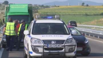 Двама младежи загинаха след сблъсък с камион