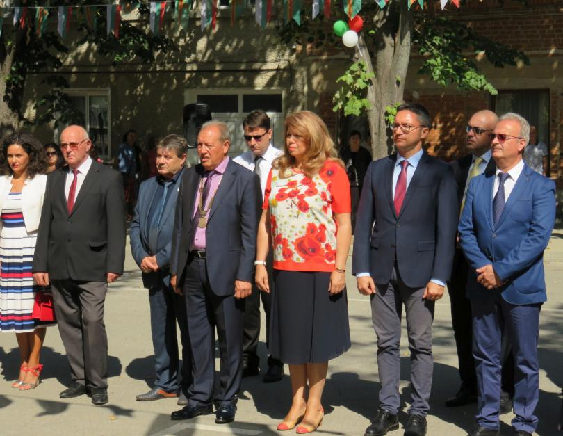 Вицепрезидентът Илияна Йотова заяви, че кампанията за местните избори ще