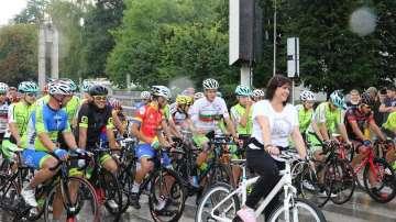 Корнелия Нинова поведе колоездачното състезание за купа Бузлуджа