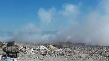 Няма обгазяване от пожара в сметището край село Шишманци