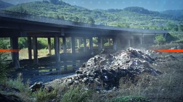 Община Дупница търси начин за разчистването на отпадъците от АМ Струма