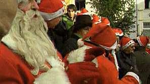 Протест срещу забраната на Дядо Коледа в Сараево