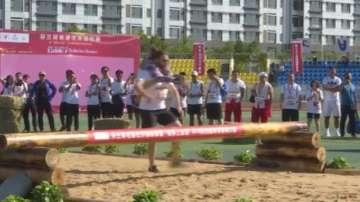 В Китай се състезаваха по носене на съпруги