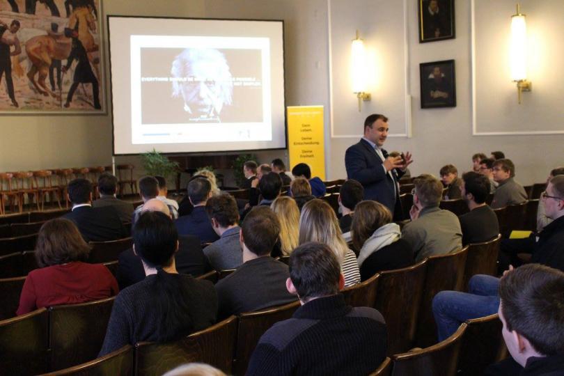"""снимка 20 Отвъд границите: Стефан Колев: """"Икономически идеи срещу чупещия се свят"""
