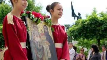 Вижте как България отбелязва 24 май (СНИМКИ + ВИДЕО)