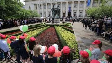 България празнува Деня на българската просвета и култура (ОБЗОР)